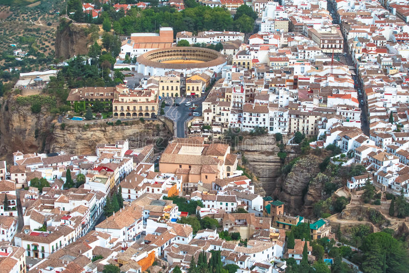 Toneelmening van brug, canion en arena, Ronda, Malaga, Andalusia, Spanje stock afbeelding