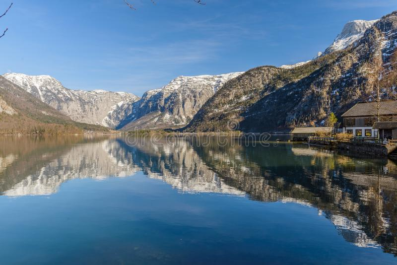 Toneelmening van Hallstatt-meer, Oostenrijk stock afbeeldingen
