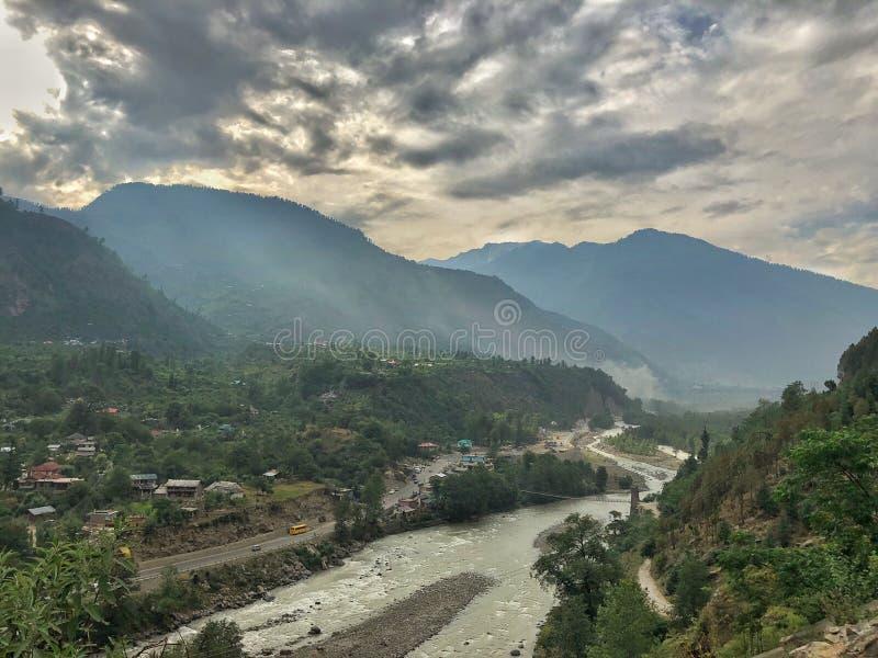 Toneelmening van Heuvelpost in India - Manali, Himachal Pradesh stock foto