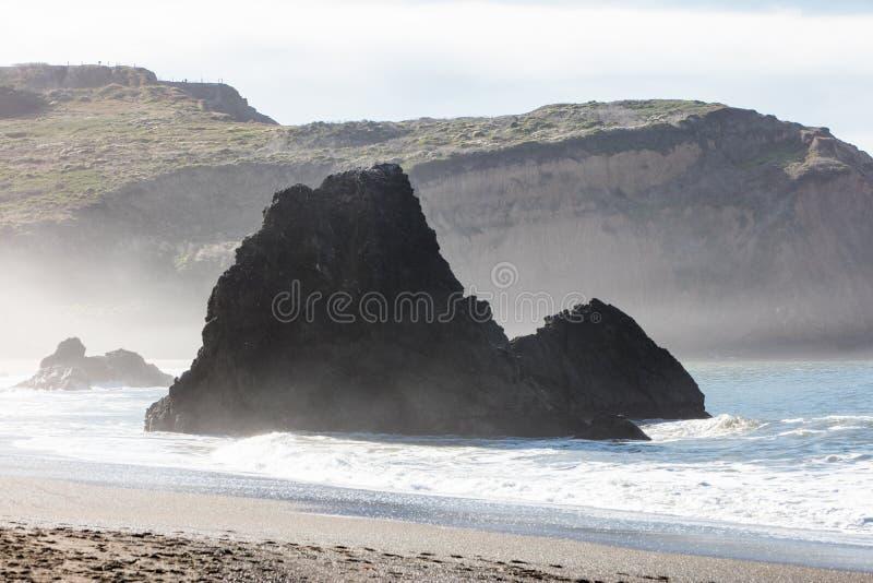 Toneelstrand in Noordelijk Californië dichtbij San Francisco royalty-vrije stock afbeelding