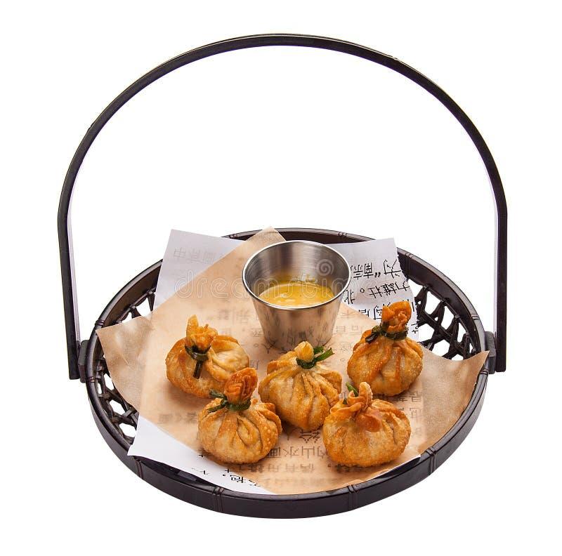 Toneladas ganhadas Bolinhas de massa de Fried Chinese com galinha foto de stock royalty free