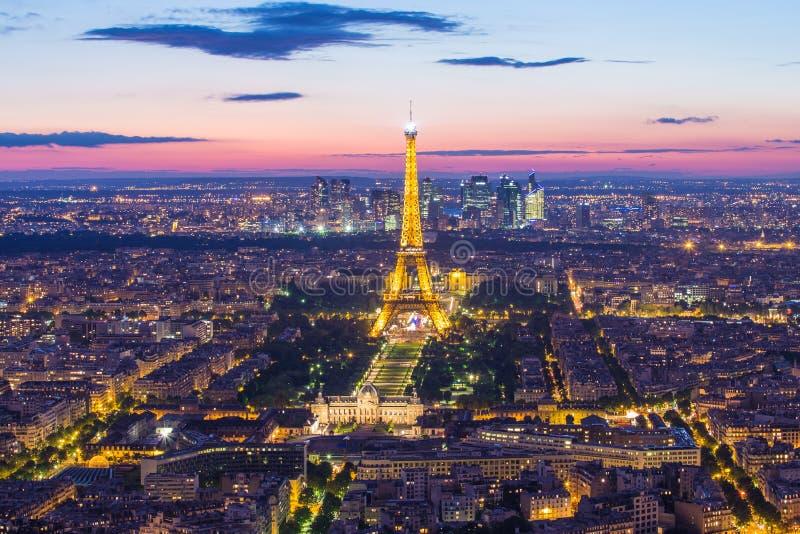 Tonen de de Toren Lichte Prestaties van Eiffel in Parijs, Frankrijk royalty-vrije stock foto's