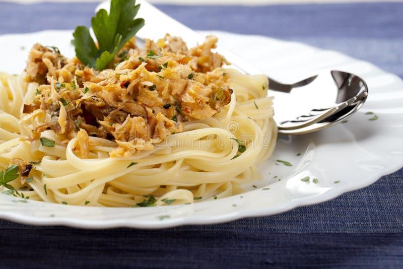 tonfisk för fiskparsleyspagetti royaltyfria bilder