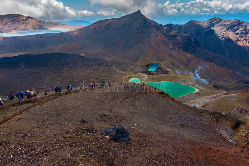 Tongariro Alpejski skrzyżowanie - Szmaragdowy jezioro fotografia royalty free