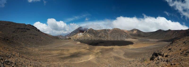 Tongariro alpina korsa Nya Zeeland royaltyfri fotografi