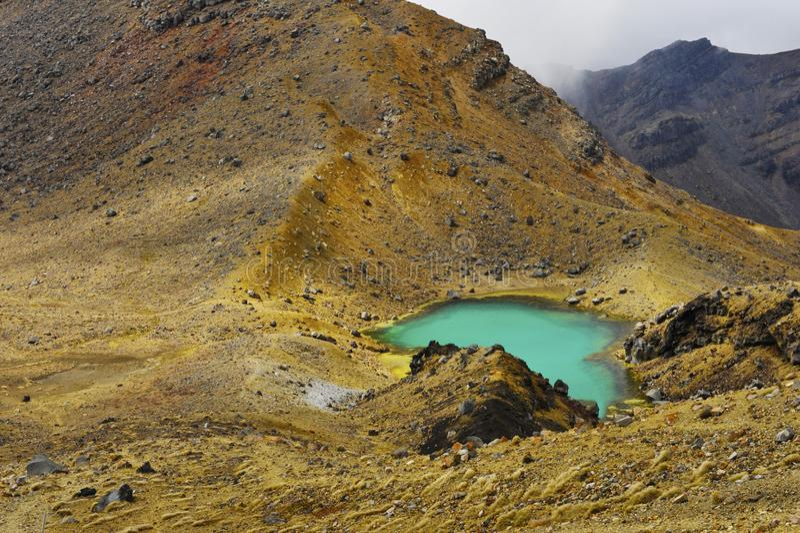 Tongariro che attraversa Emerald Lake fotografie stock libere da diritti