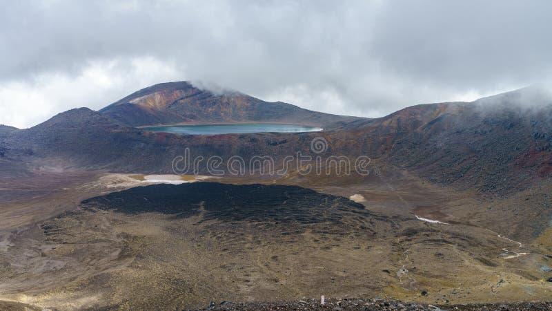 Tongariro wysokogórski skrzyżowanie, szmaragdowi jeziora, wulkan, nowy Zealand 2 obrazy royalty free