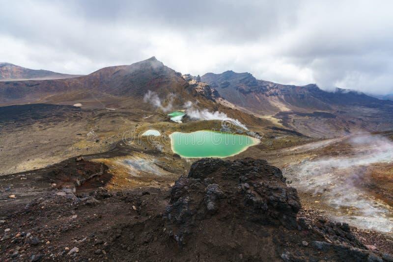 Tongariro wysokogórski skrzyżowanie, szmaragdowi jeziora, wulkan, nowy Zealand 7 obrazy royalty free