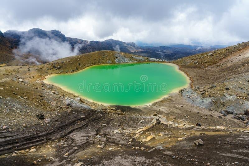 Tongariro wysokogórski skrzyżowanie, szmaragdowi jeziora, wulkan, nowy Zealand 9 fotografia royalty free