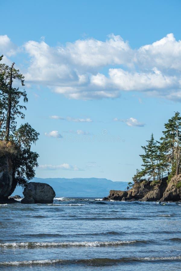 Tongue Point uit de baai van Crescent op een scherpe herfstdag stock fotografie