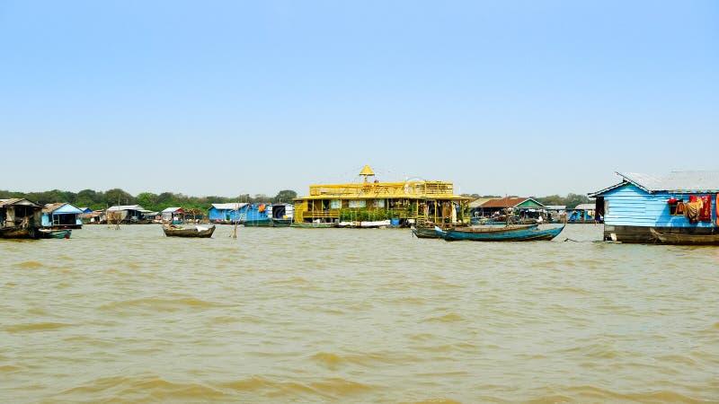 Tonle Sap湖的,暹粒省,柬埔寨浮动村庄 库存照片