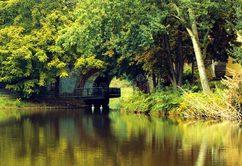 Tonnel och landskap arkivfoton