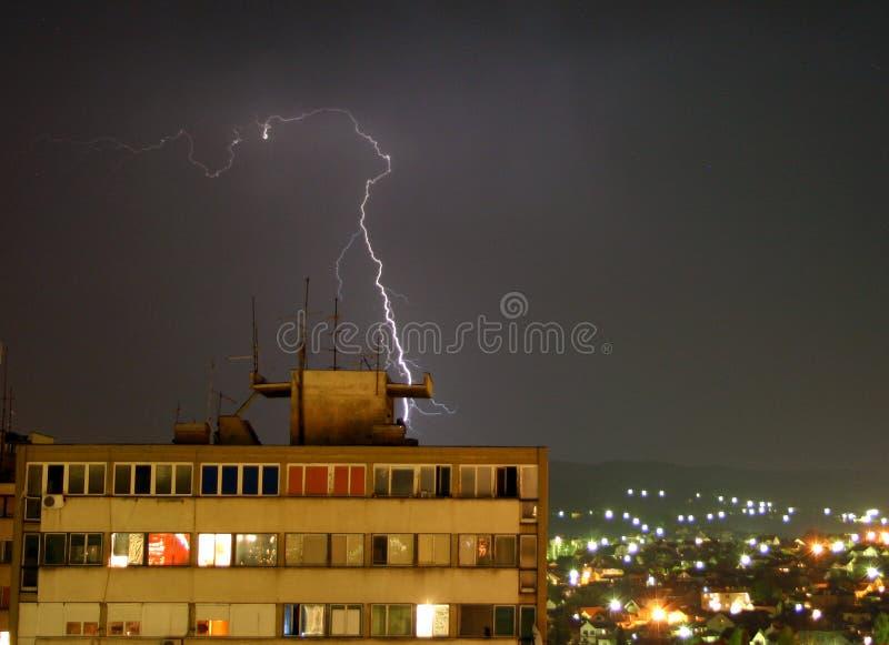 Tonnerre en Serbie photos stock