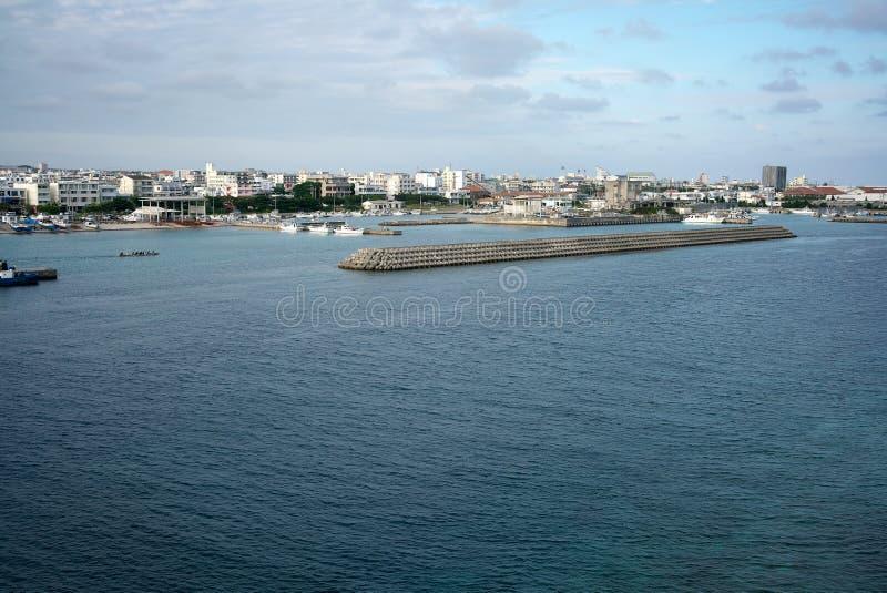Tonoshiro vissersdiehaven of haven van de zuidelijke poortbrug wordt bekeken in de middag in Ishigaki, O.k. stock afbeelding