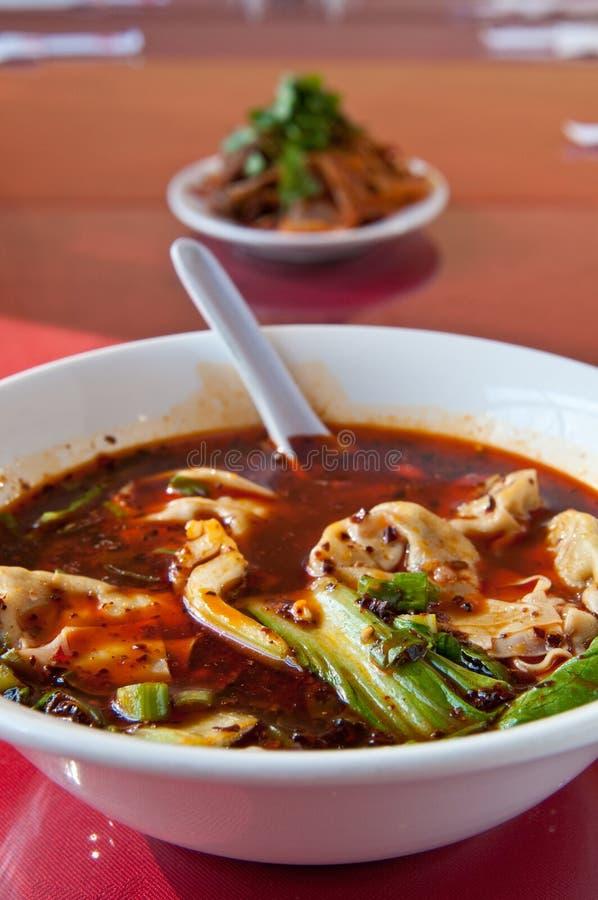 tons för soup för chiliolja segrade röda royaltyfria bilder