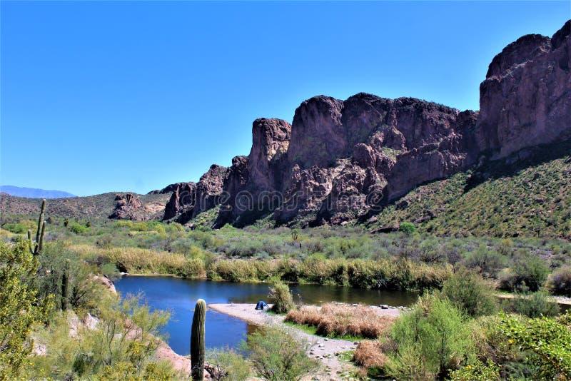 Tonto国家森林,Salt河度假区,美国农业部美国林业局,亚利桑那,美国 免版税库存照片
