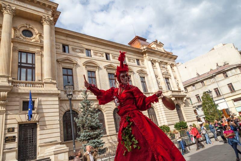 Toon binnen B-PASVORM in de Straat Boekarest 2014 stock fotografie