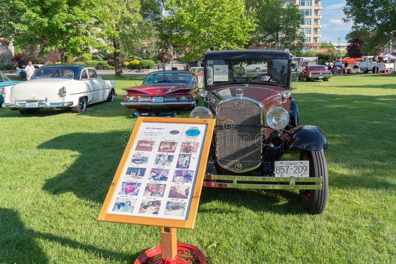 1931 toont Ford Model A op vertoning in Penticton van de binnenstad bij een auto royalty-vrije stock fotografie