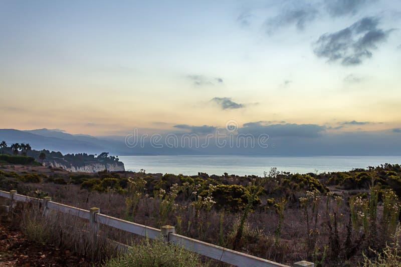 Toop скалы осматривает Тихого океана на обречении пункта, Калифорния стоковые фото