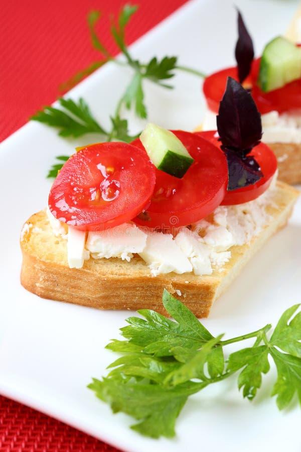 Toost met kaas en verse tomaat royalty-vrije stock fotografie