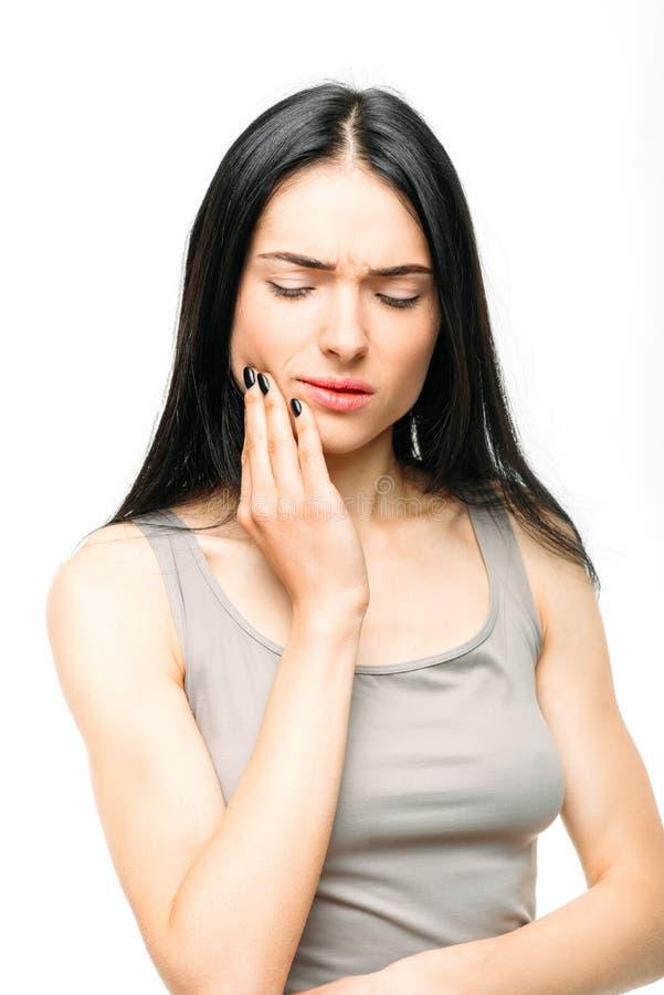 Toothache, chora kobieta z stomatologicznym bólem zdjęcie royalty free