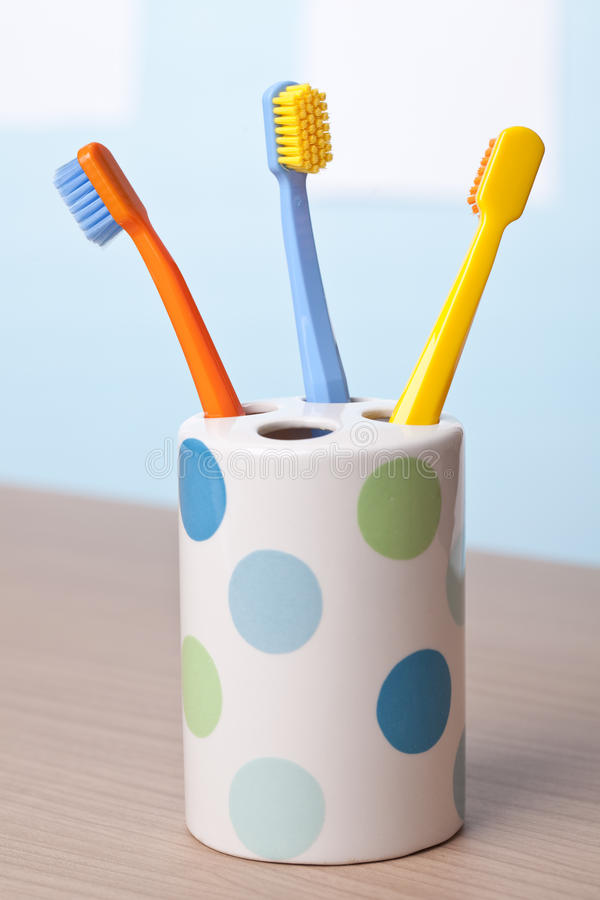 Toothbrushes di colore immagine stock