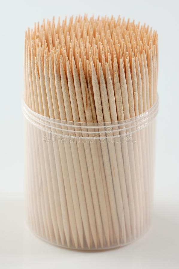 Toothpicks im weißen Hintergrund stockfotos