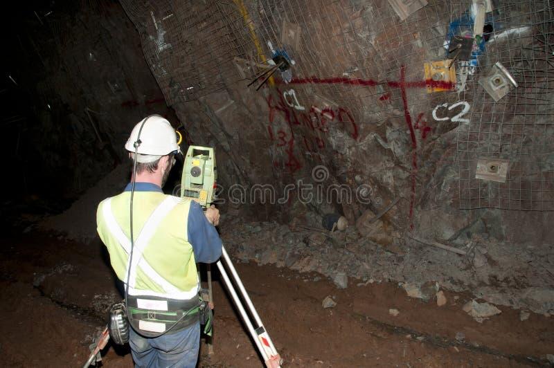 Topógrafo da mina subterrânea fotografia de stock
