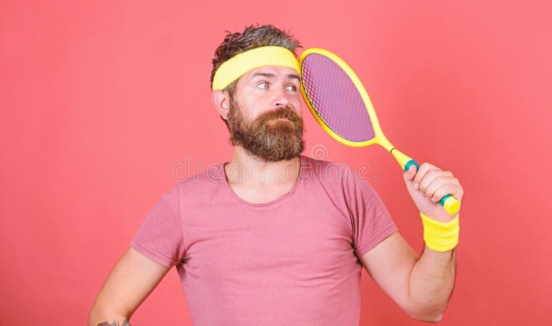Top del alcance otra vez Moda retra del jugador de tenis Deporte y entretenimiento del tenis Estafa de tenis del control del inco imagen de archivo