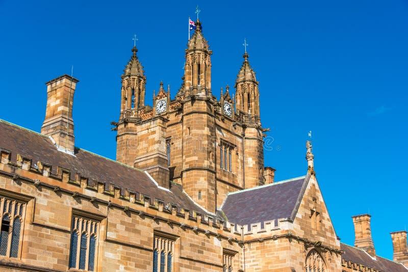 Top del edificio del cuadrilátero en la universidad de Sydney fotos de archivo