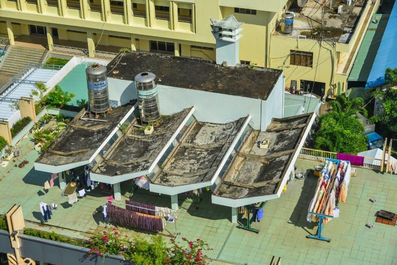 Top del tejado de un apartamento fotografía de archivo libre de regalías