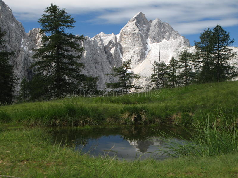 Top van nationaal park Jalovec - Triglav. royalty-vrije stock afbeelding