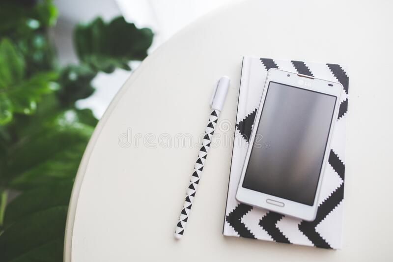 Top View Of Mobile Phone With Empty Screen Free Public Domain Cc0 Image