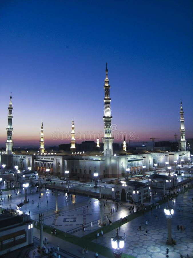 Free Top View Of Masjid Nabawi Nabawi Mosque During Sunrise Stock Photo - 122717920