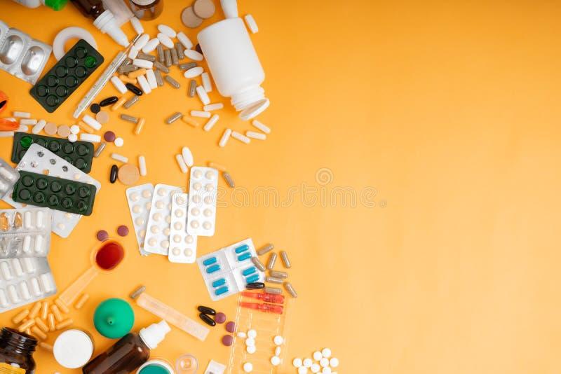 ставлю его картинки стопка таблеток таких занавесок