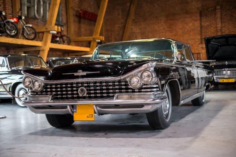 Topacz, Polen - Oktober 13, 2018: Zwarte retro auto, de hardtopsedan van Buick Electra van 1959 royalty-vrije stock fotografie