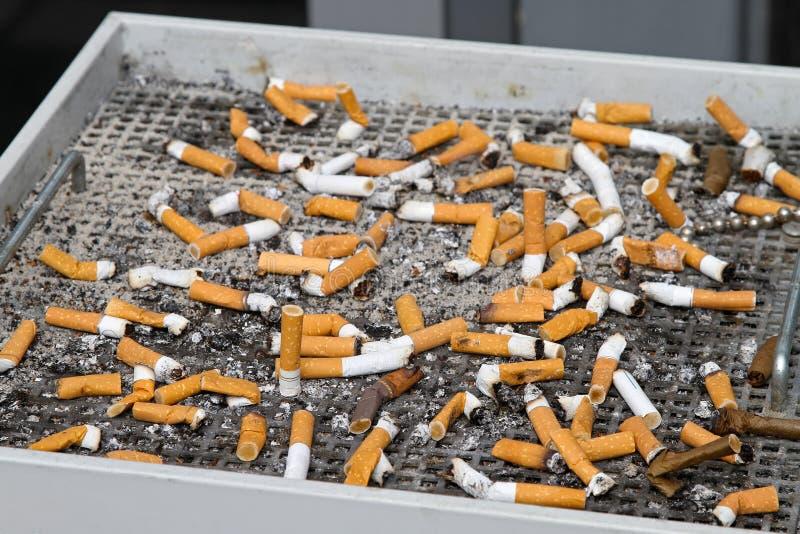 Tope de cigarrillos imagen de archivo