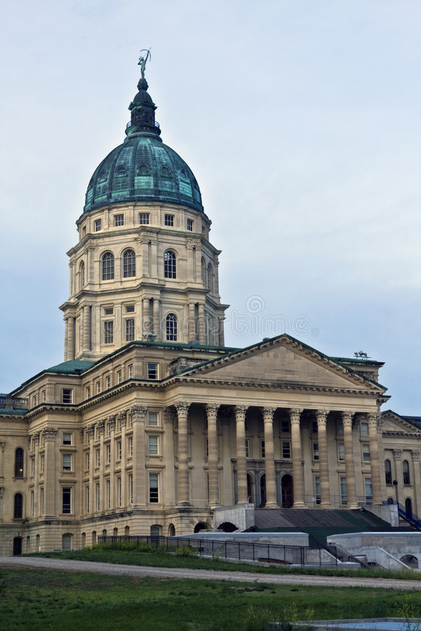 Topeka, Kansas - Capitólio do estado foto de stock royalty free
