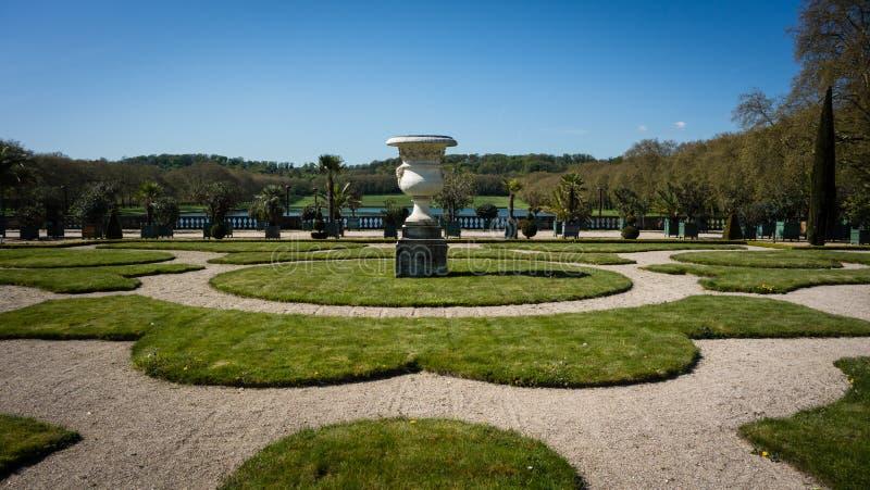 Topf an den Gärten von Versailles stockfotos