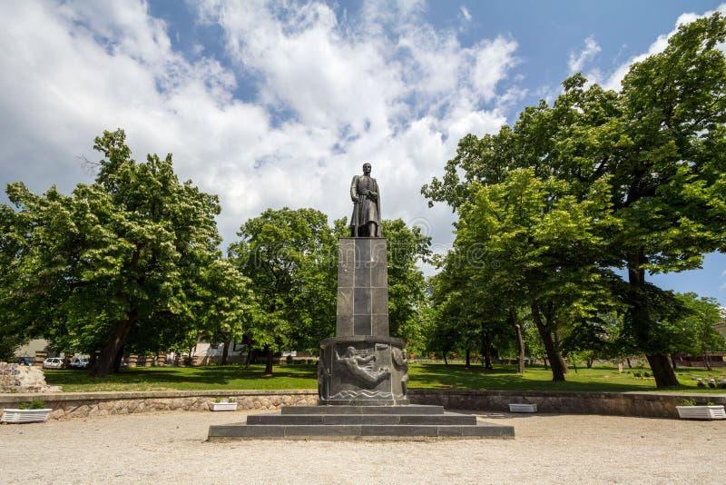 TOPOLA SERBIA, MAJ, - 27, 2017: Statua dedykująca pierwszy Serbski królewiątko, Karadjordje, w muzeum dedykującym jego historia fotografia royalty free