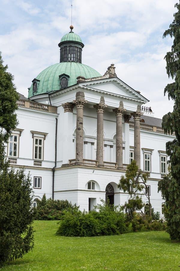 Topolcianky-Herrenhaus lizenzfreies stockfoto