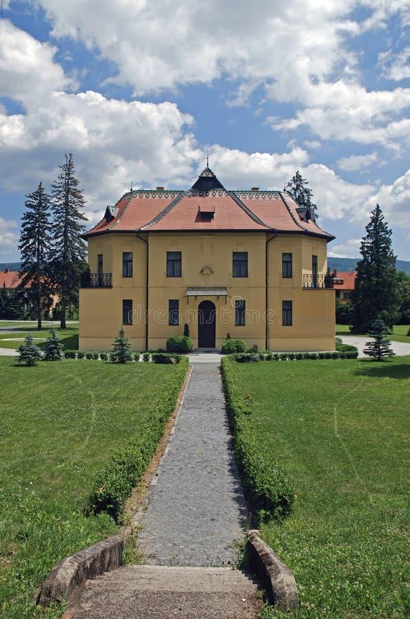 Topolcianky Jagdhütte lizenzfreie stockbilder