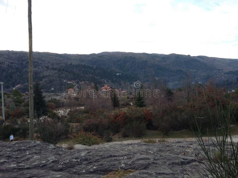 Toppiga bergskedjor förälskelse arkivfoton
