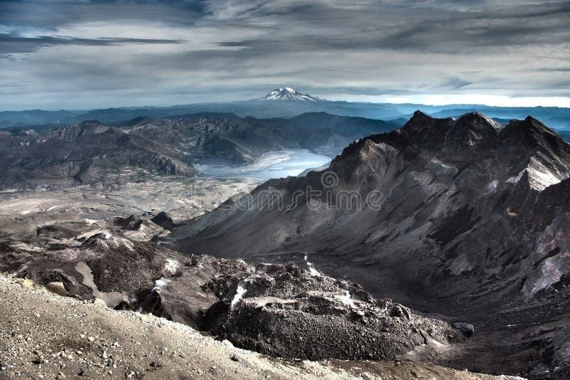 Toppmöte Mt Mount Saint Helens royaltyfri bild
