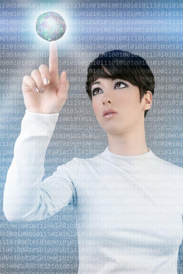 Toque global do planeta da mulher de negócios de Digitas imagens de stock royalty free