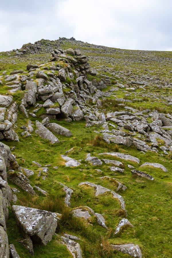 Tor de Belstone en Dartmoor imagenes de archivo