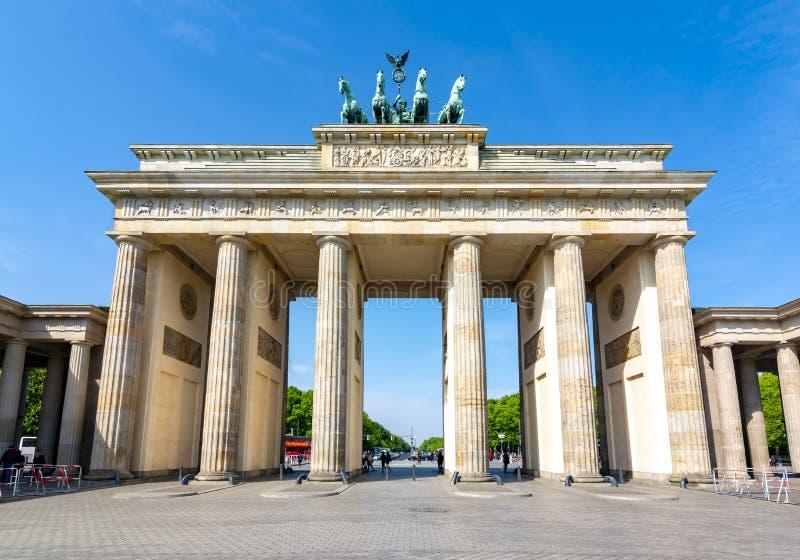 Tor de Brandenburger da porta de Brandemburgo, Berlim, Alemanha foto de stock