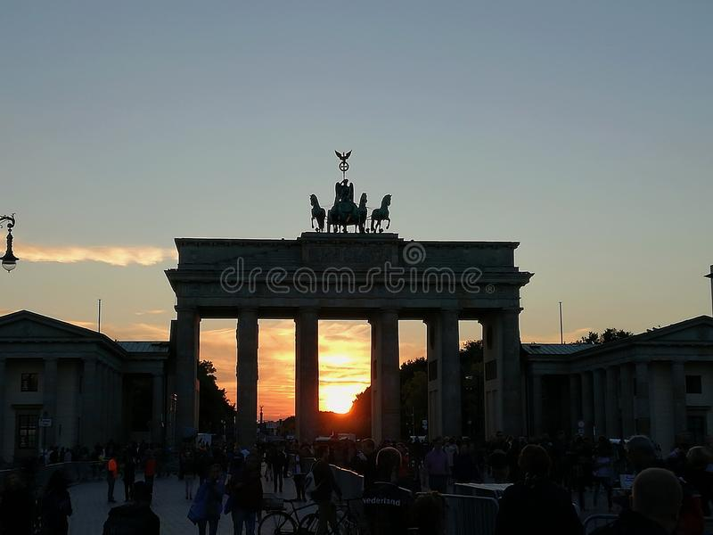 Tor de Brandenburger - porta de Brandemburgo imagem de stock