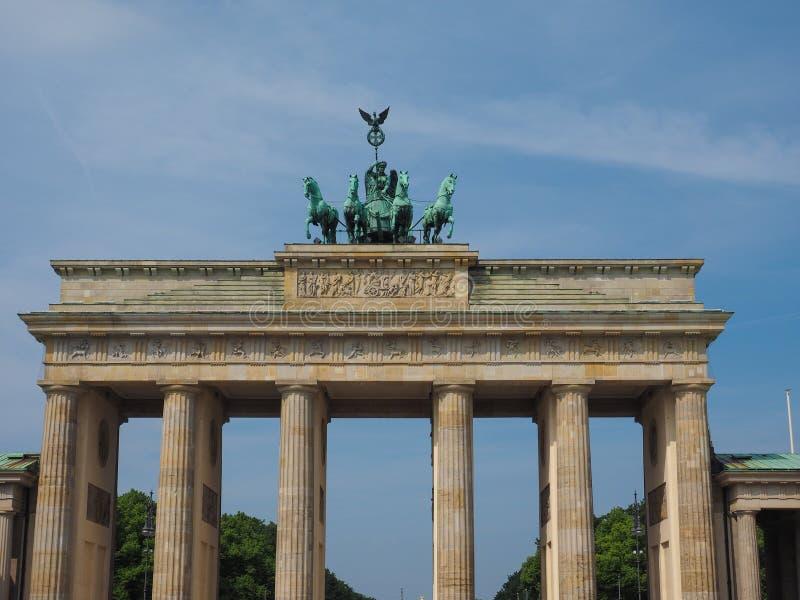 Tor de Brandenburger (porta de Brandemburgo) em Berlim fotografia de stock royalty free
