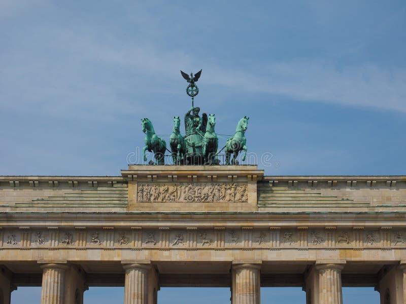 Tor de Brandenburger (porta de Brandemburgo) em Berlim foto de stock royalty free